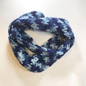 DIY   Knit Infinity Scarf Blue & Light Blue Yarn